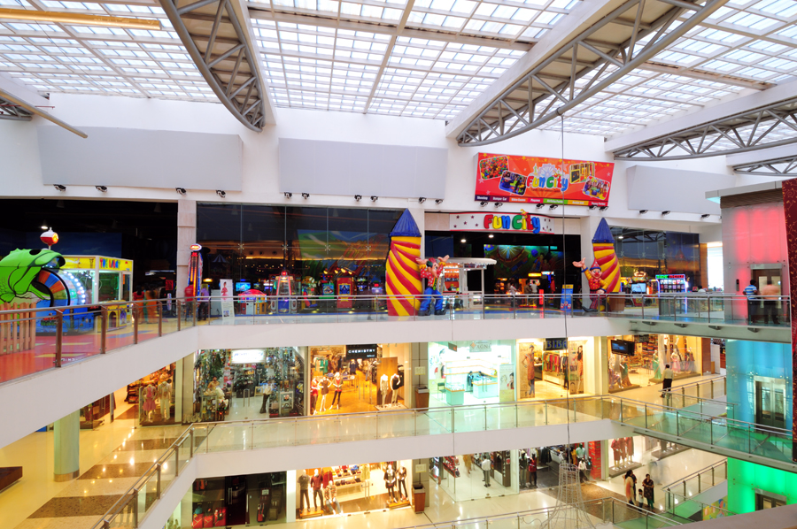 Mall: Shopping Mall: Goregaon (E): 3